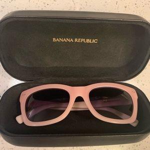 Banana Republic pink wayfare style sunglasses